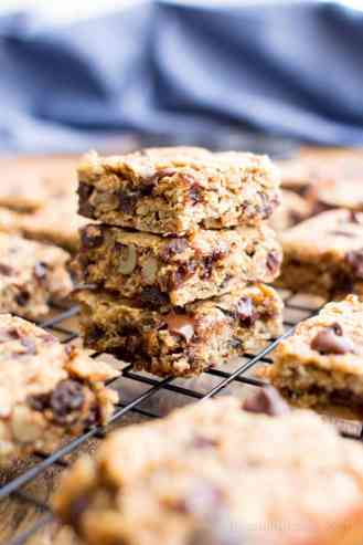 Almond-Dates-Breakfast-Bars-Recipe