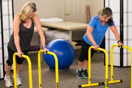Jewel fitness workout with client